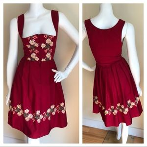 Vintage 60s embroidered pleated dress